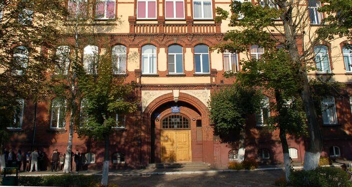 Budynek szkoły nr 6 w Czerniachowsku, w którym w czasie I wojny światowej mieścił się lazaret