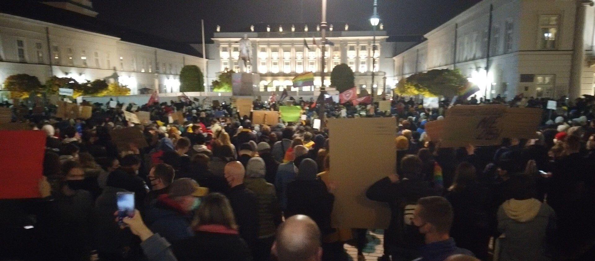 Protest pod Pałacem Prezydenckim - Sputnik Polska, 1920, 26.10.2020