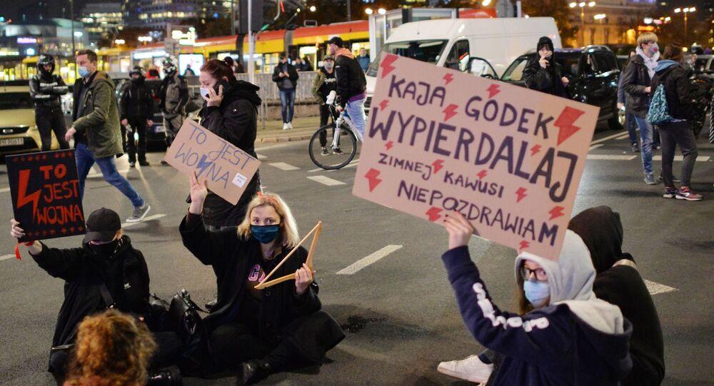 Protest przeciwników orzeczenia TK ws. aborcji w Warszawie
