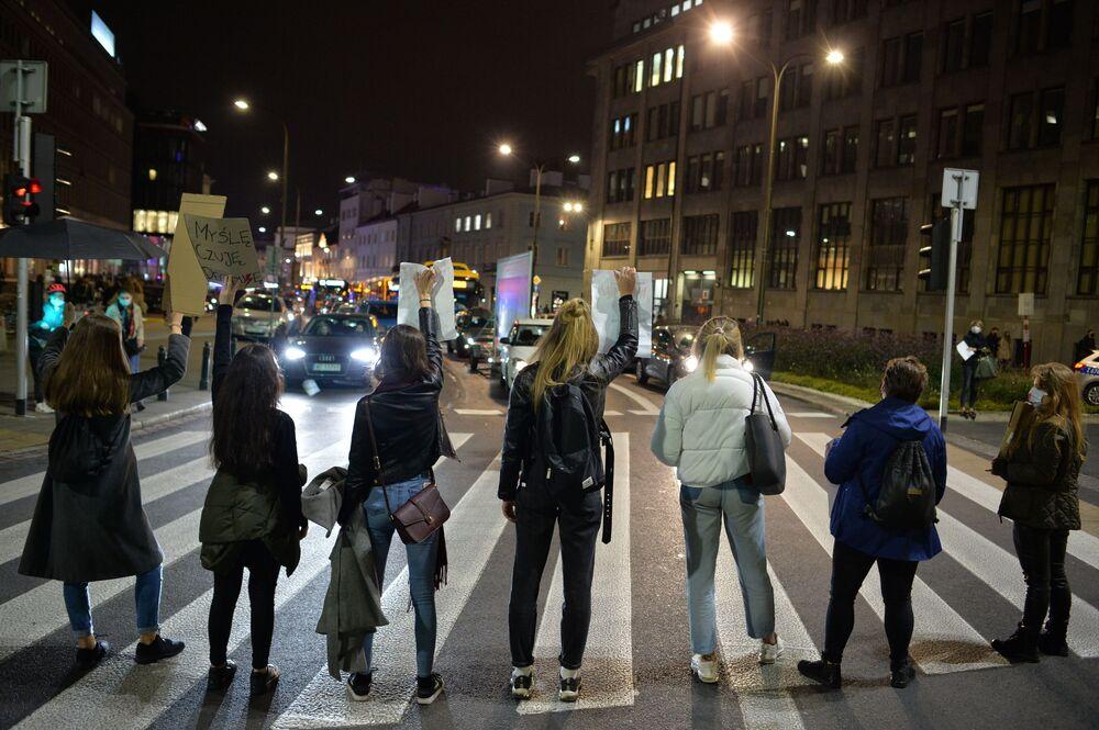 Protesty po wyroku TK ws. aborcji 26 października w Warszawie
