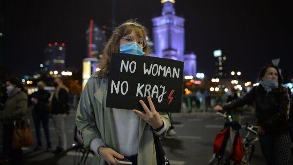 Protesty po wyroku TK ws. aborcji w Warszawie - Sputnik Polska