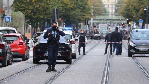Atak nożownika przed kościołem Notre Dame w centrum Nicei - Sputnik Polska