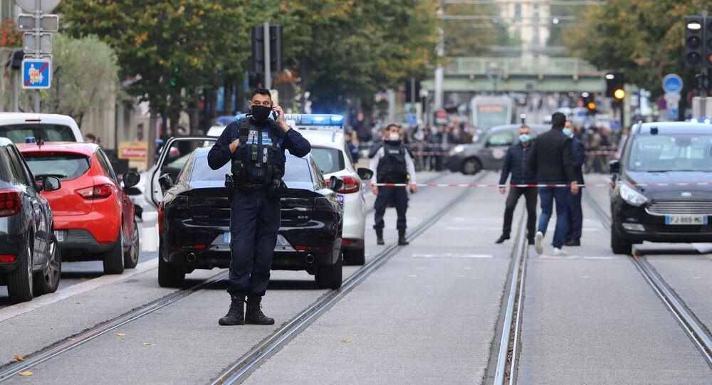 Atak nożownika przed kościołem Notre Dame w centrum Nicei