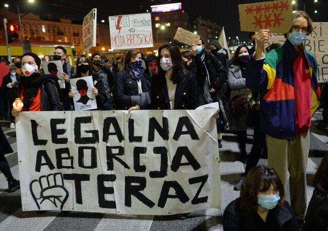 Protesty przeciw orzeczeniu TK ws. aborcji