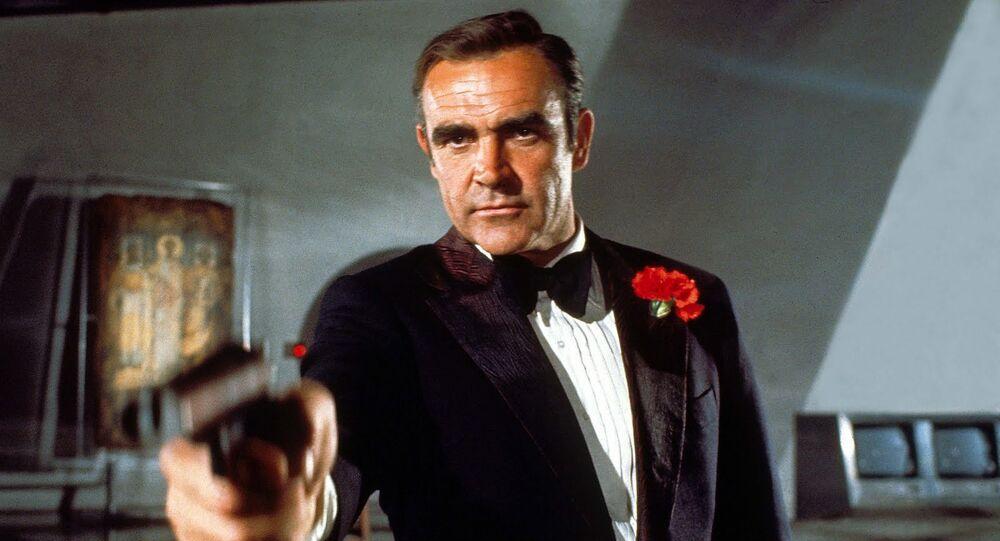 Sean Connery w roli agenta Jamesa Bonda