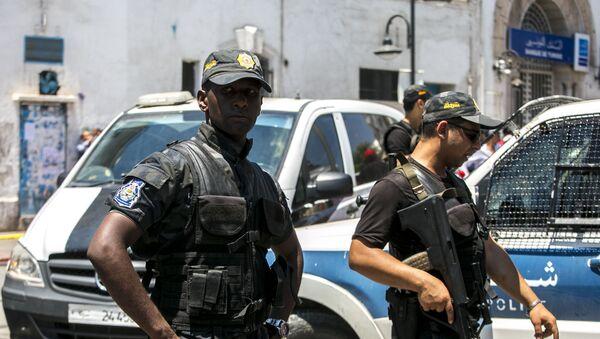 Tunezyjscy policjanci.  - Sputnik Polska