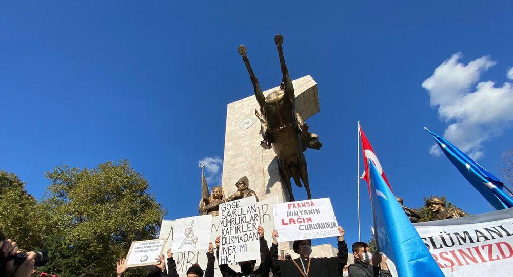Stambuł: protest przeciwko karykaturom proroka Mahometa.