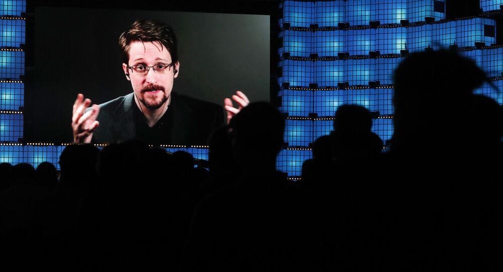 Wystąpienie byłego oficera CIA Edwarda Snowdena na wideokonferencji w Lizbonie
