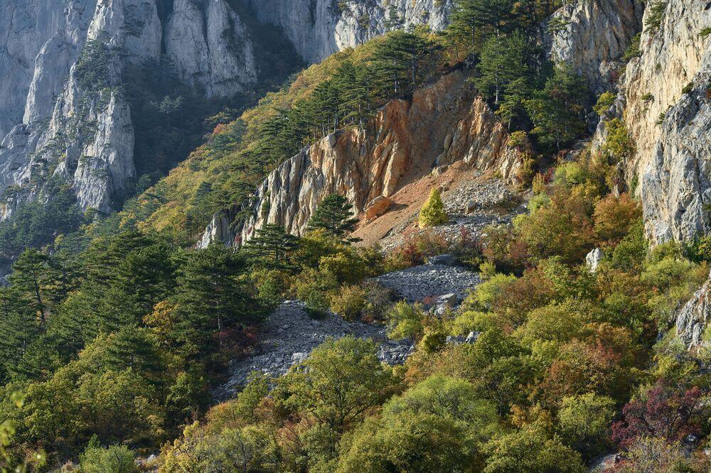 Góry w pobliżu wsi Opolznewe na Krymie