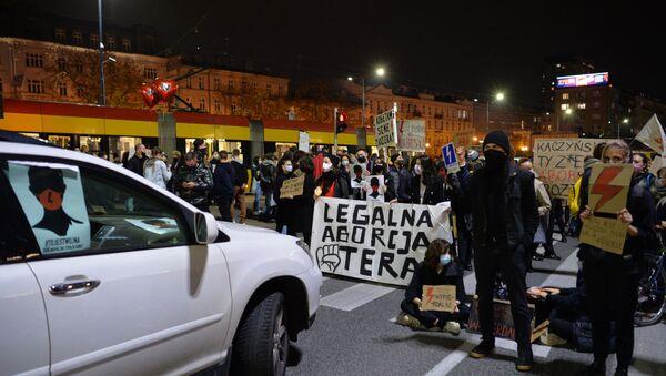 Protesty w Polsce po wyroku TK ws. aborcji - Sputnik Polska