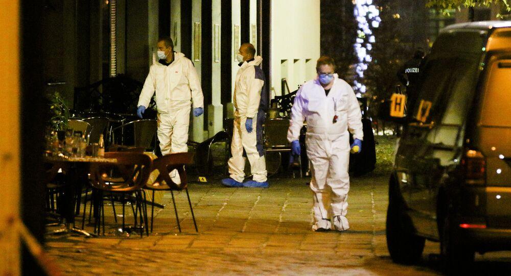 Śledczy na miejscu strzelaniny, Wiedeń