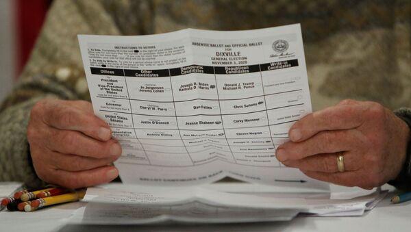 Karta do głosowania w wyborach prezydenckich w USA - Sputnik Polska