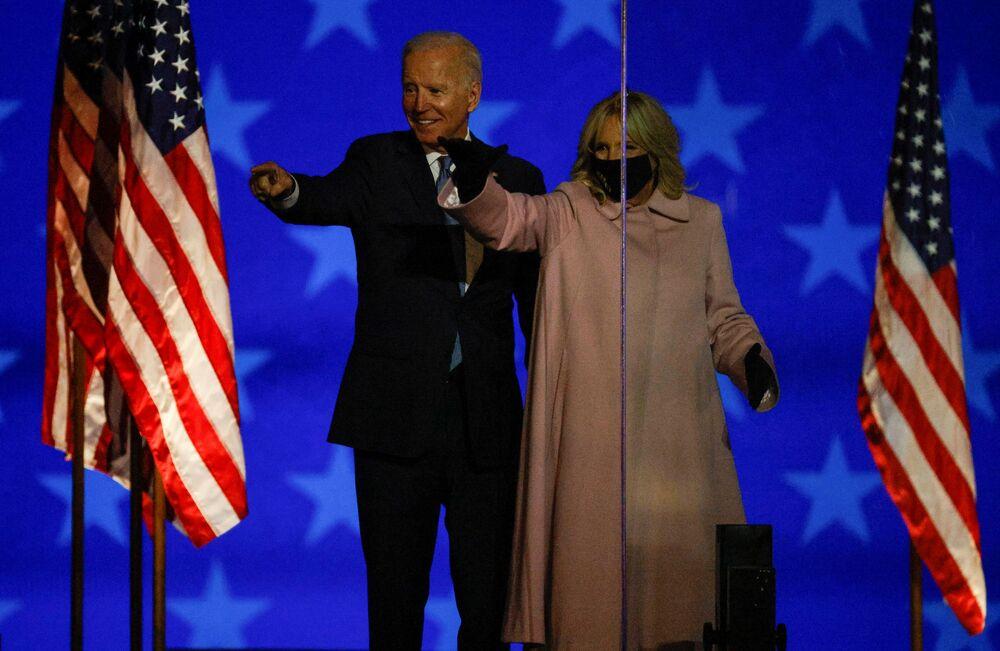 Joe Biden wraz z małżonką występują w Wilmington, Delaware, USA.