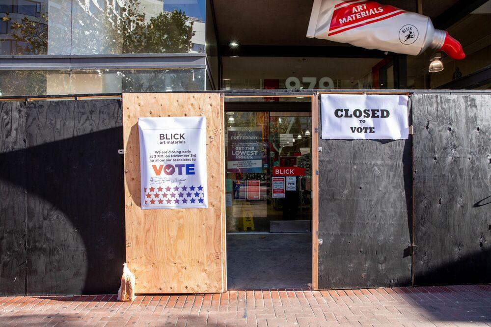 Jeden z lokali wyborczych w San Francisco w dniu wyborów prezydenckich w USA