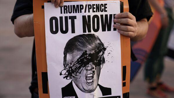 Akcja protestacyjna w Los Angeles po wyborach w USA - Sputnik Polska