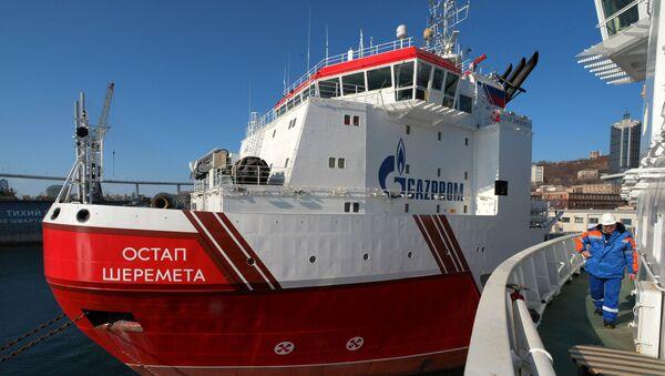 Statek Gazpromu Ostap Sheremet. - Sputnik Polska