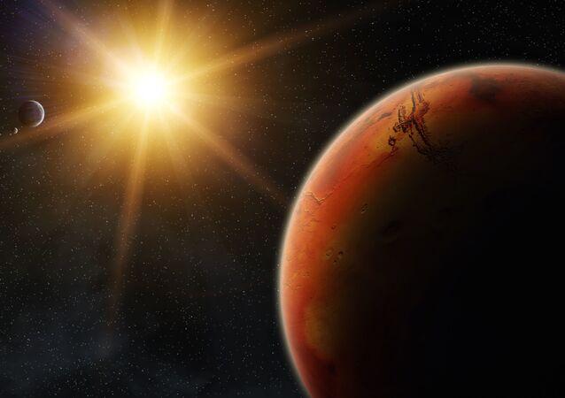 Mars o wschodzie słońca.