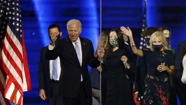 Demokratyczny kandydat na prezydenta Joe Biden  - Sputnik Polska