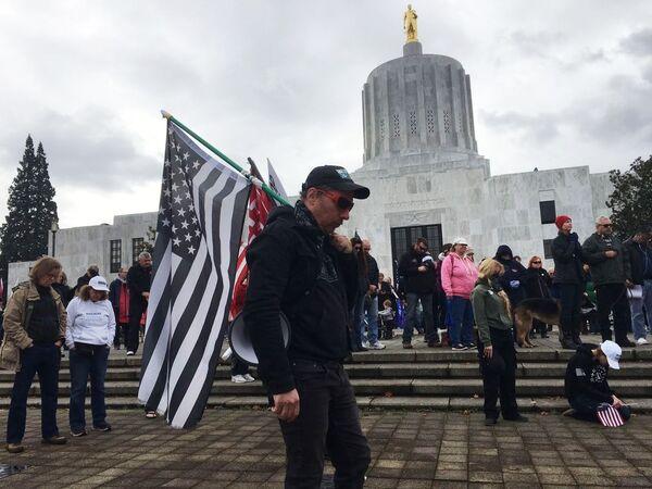 Wiec poparcia dla urzędującego prezydenta USA Donalda Trumpa w Salem, stolicy Oregonu - Sputnik Polska