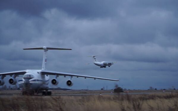 Samoloty Ił-76 na lotnisku Uljanowsk-Wostoczny - Sputnik Polska