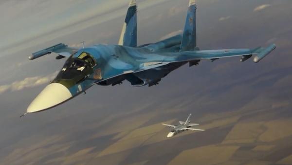 Tankowanie w dzień i w nocy myśliwców i bombowców Południowego Okręgu Wojskowego z tankowców Ił-78 Sił Powietrzno-Kosmicznych Rosji - Sputnik Polska