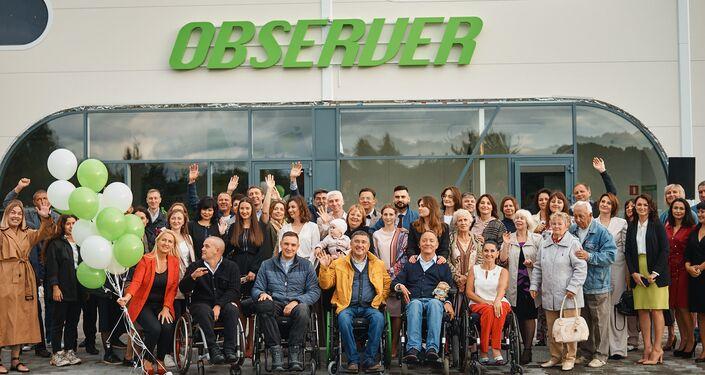 """Zespoł fabryki """"Observer"""" produkującej elektryczne wózki inwalidzkie w obwodzie kaliningradzkim i członki rodziny pracowników"""