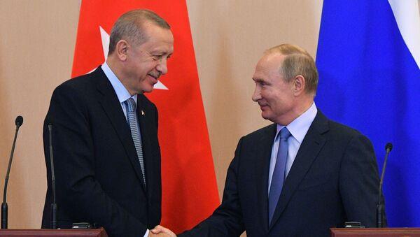 Prezydent Turcji Tayyip Erdogan z prezydentem Rosji Władimirem Putinem - Sputnik Polska