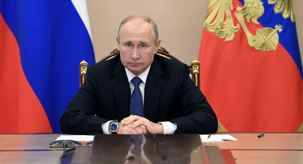 Prezydent Rosji Władimir Putin na spotkaniu ze stałymi członkami Rady Bezpieczeństwa Rosji