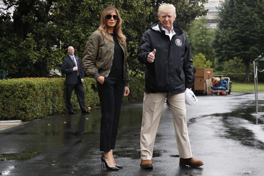 Donald i Melania Trump przed podróżą do Teksasu nawiedzonego przez huragan Harvey, 2017 rok