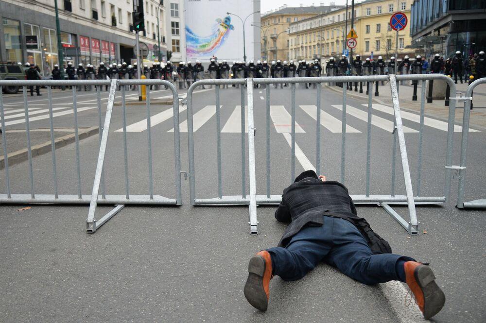 Marsz Niepodległości 11 listopada 2020 roku w Warszawie