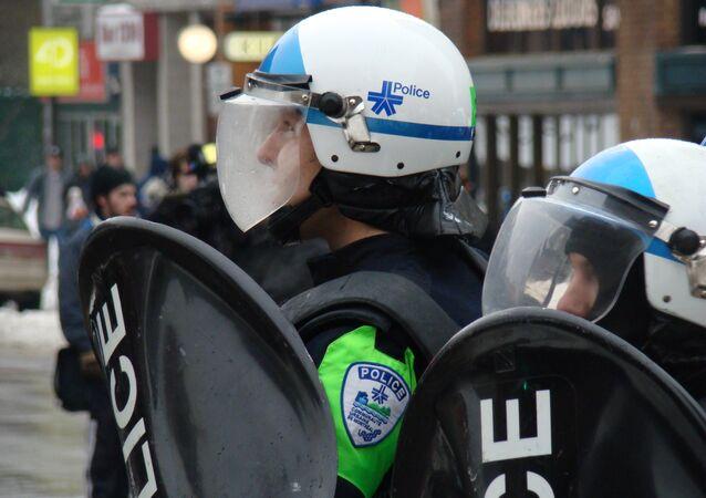Policja w Montrealu.