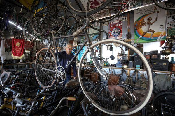 W kolekcji Siergieja Daszewskiego około 200 rowerów - Sputnik Polska