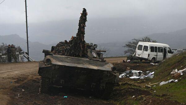 Porzucony sprzęt wojskowy w Górskim Karabachu - Sputnik Polska