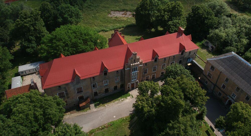 Zamek Waldau wzniesiony w XIII wieku przez Krzyżaków