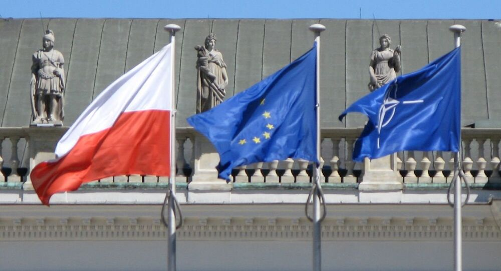 Flagi UE, Polski i NATO