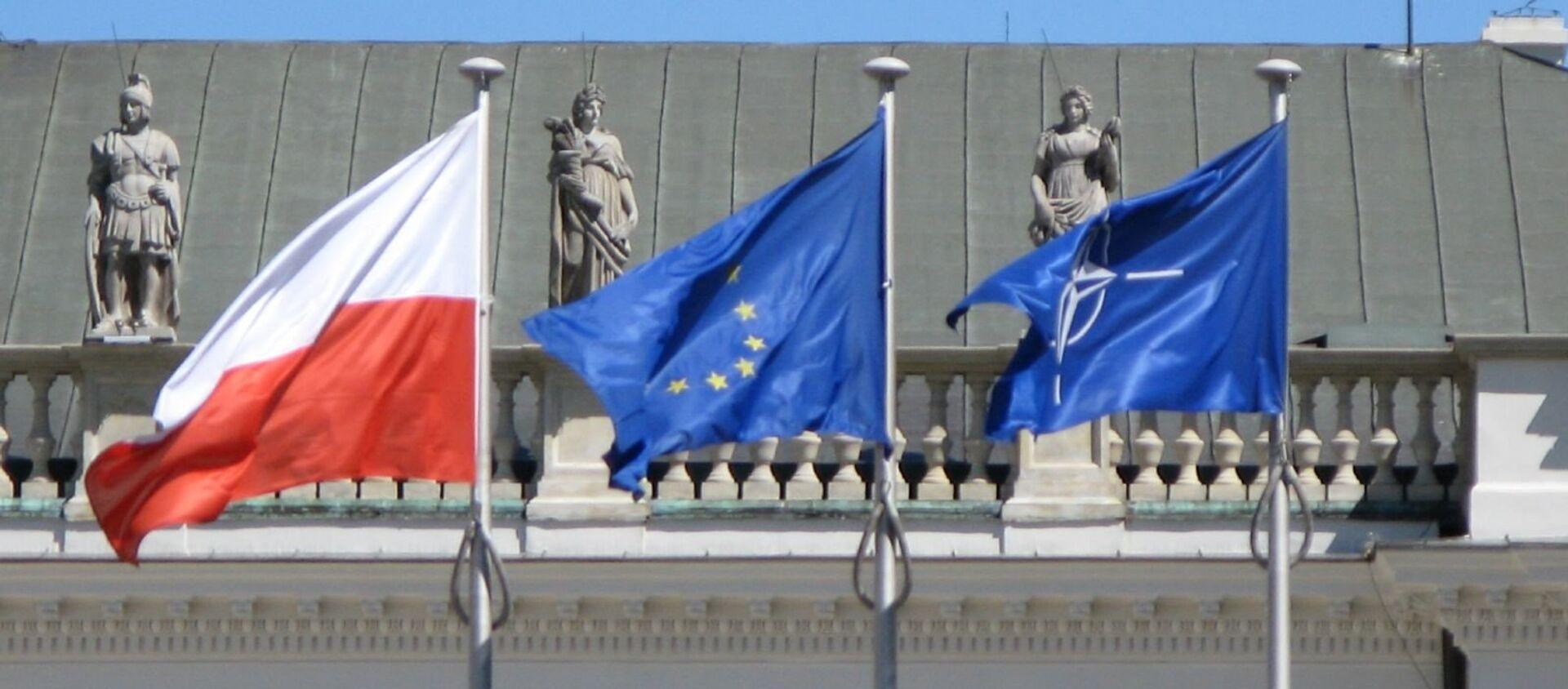 Flagi UE, Polski i NATO - Sputnik Polska, 1920, 11.12.2020