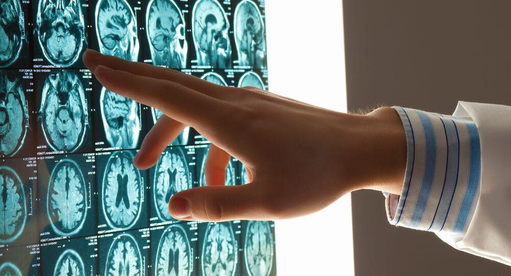Tomografia głowy.
