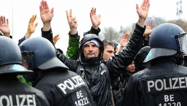 Protest w Berlinie - Sputnik Polska