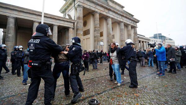 Protesty w Berlinie - Sputnik Polska