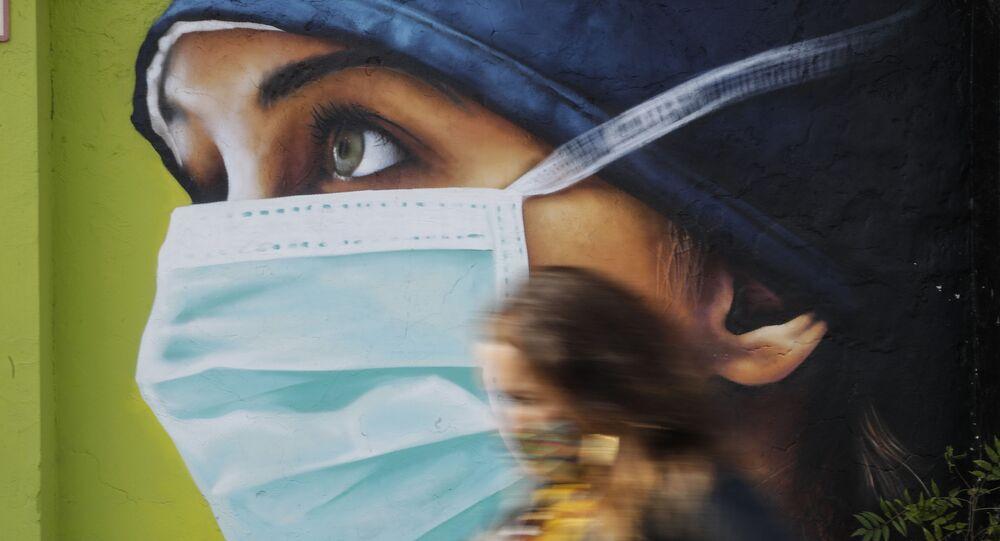 Graffiti w Mediolanie podczas epidemii koronawirusa