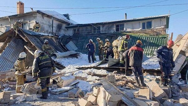 Ratownicy na miejscu eksplozji w kawiarni w stolicy Kazachstanu Nur-Sułtan - Sputnik Polska