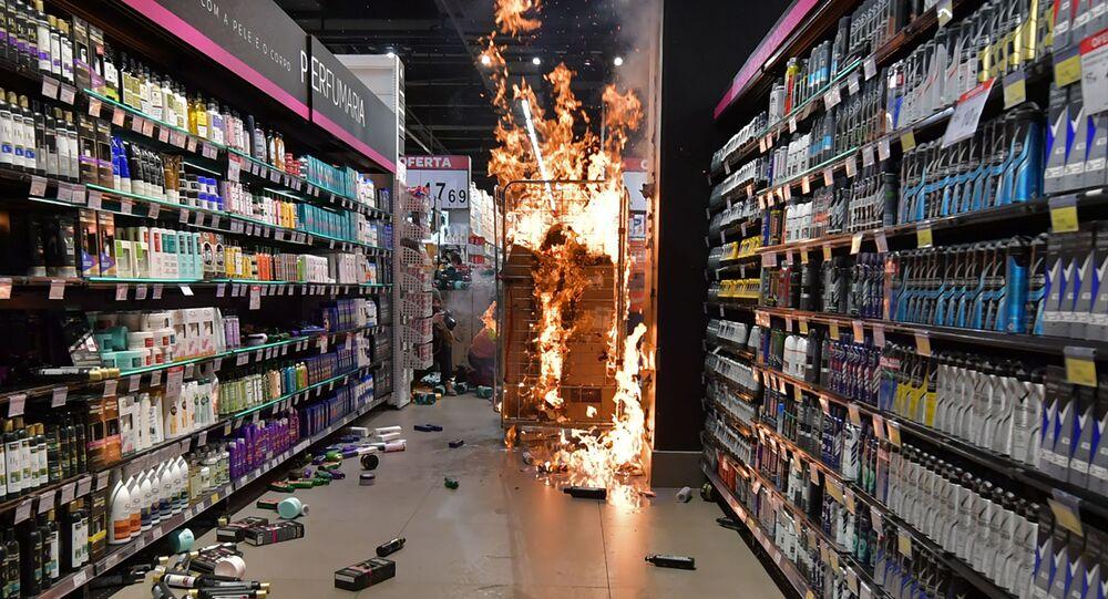 Pożar w supermarkecie Carrefour w mieście Porto Alegre w Brazylii