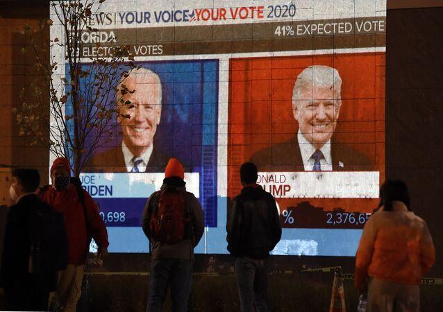 Ekran z wynikami wyborów w Waszyngtonie, USA