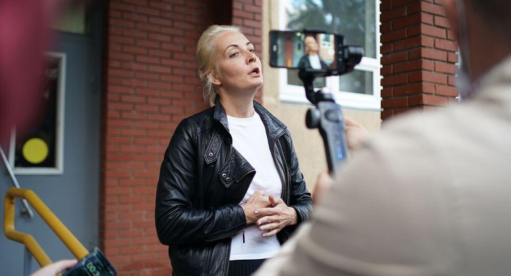Żona blogera Aleksieja Nawalnego Julia w Omsku
