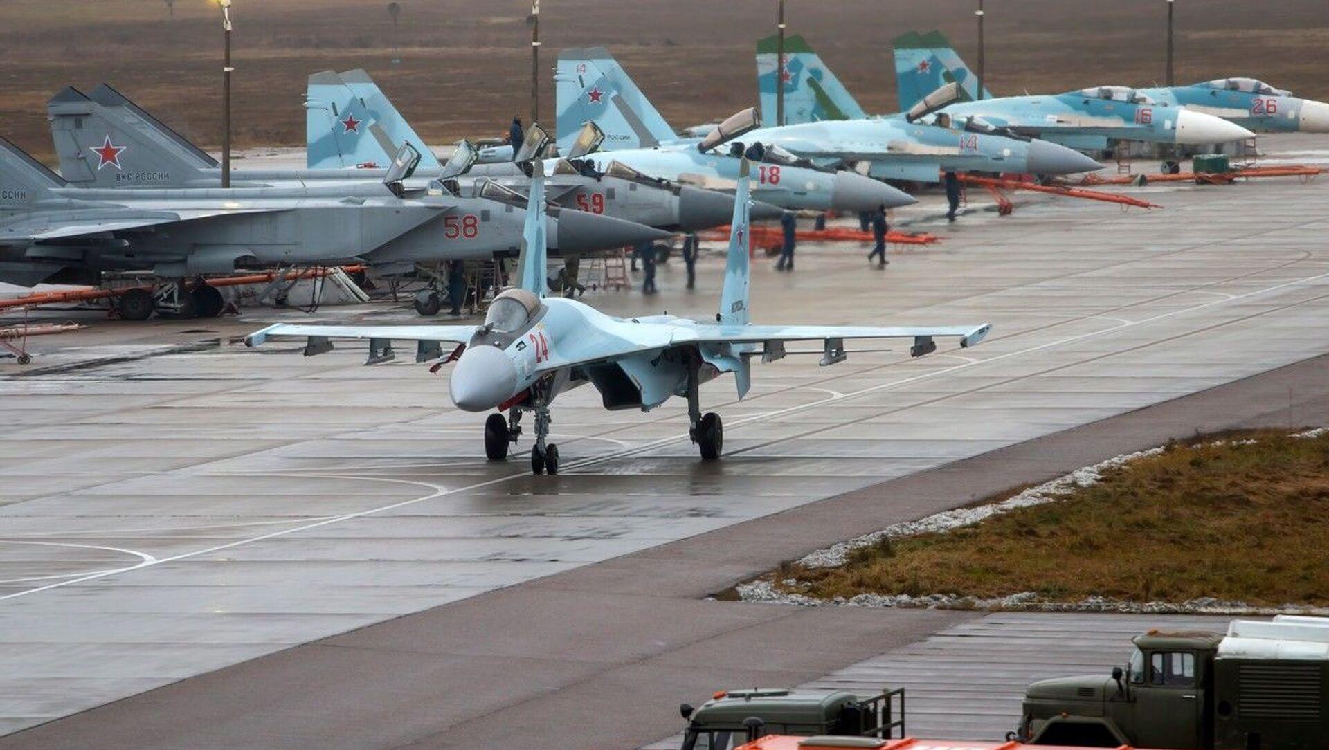 Loty szkoleniowe Su-35 i MiG-31 w obwodzie twerskim - Sputnik Polska, 1920, 06.05.2021