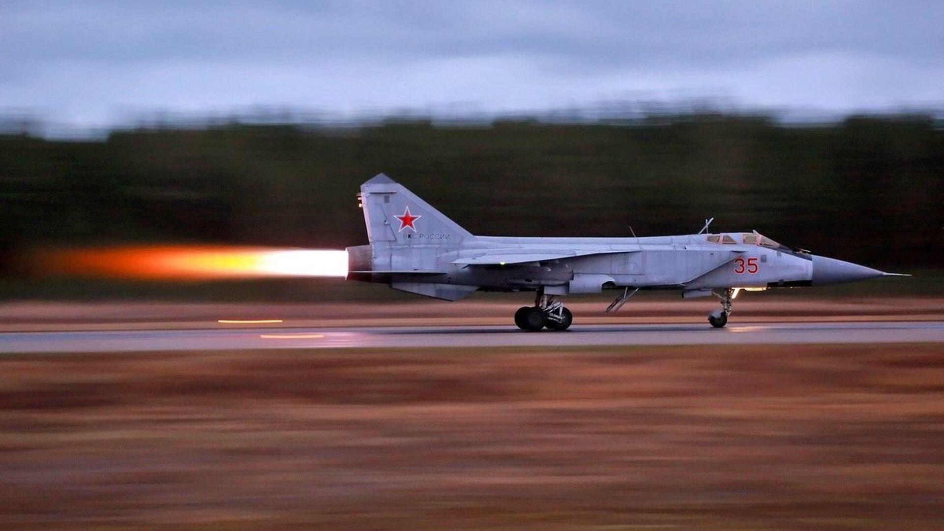 Loty szkoleniowe Su-35 i MiG-31 w obwodzie twerskim - Sputnik Polska, 1920, 16.06.2021