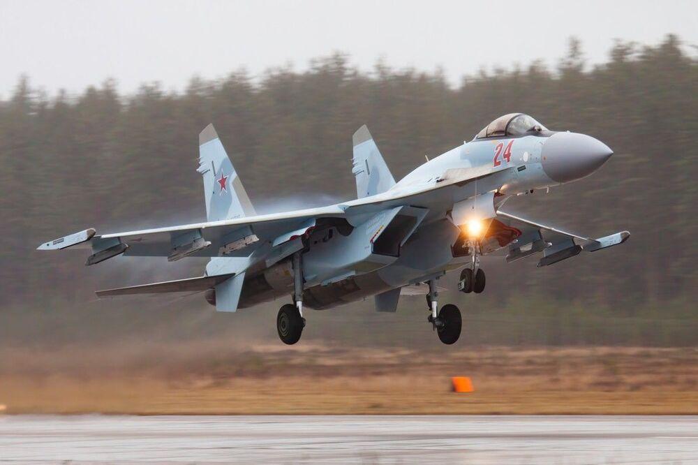 Loty szkoleniowe Su-35 i MiG-31 w obwodzie twerskim