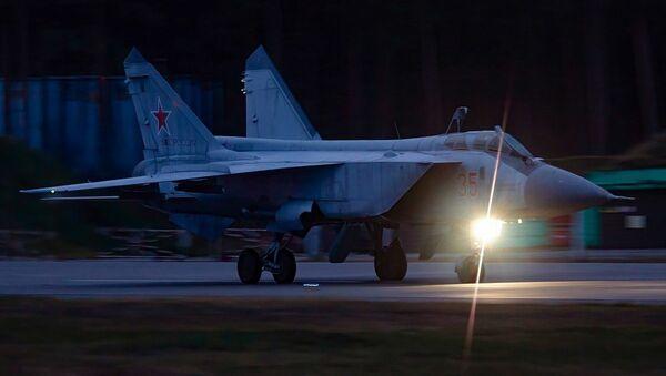 Nocne loty szkoleniowe Su-35 i MiG-31 w obwodzie twerskim - Sputnik Polska