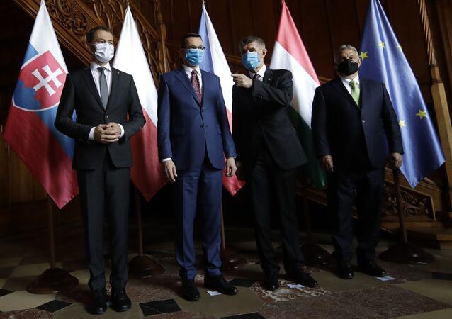 Premier Słowacji Igor Matovič, premier Polski Mateusz Morawiecki, premier Republiki Czeskiej Andrej Babiš i premier Węgier Viktor Orbán