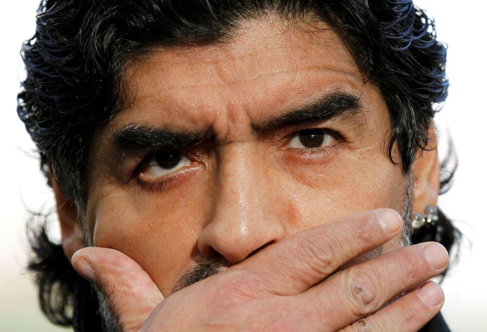 Diego Maradona w 2010 roku